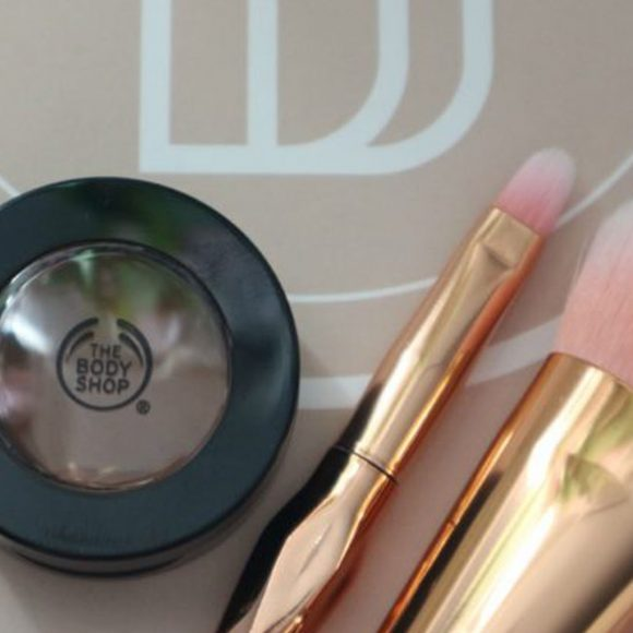 THE BODY SHOP full coverage concealer